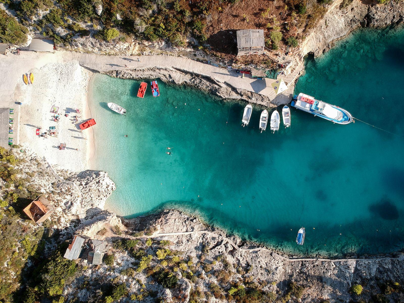 Wes & Gareth paddling back to shore at Porto Vromi